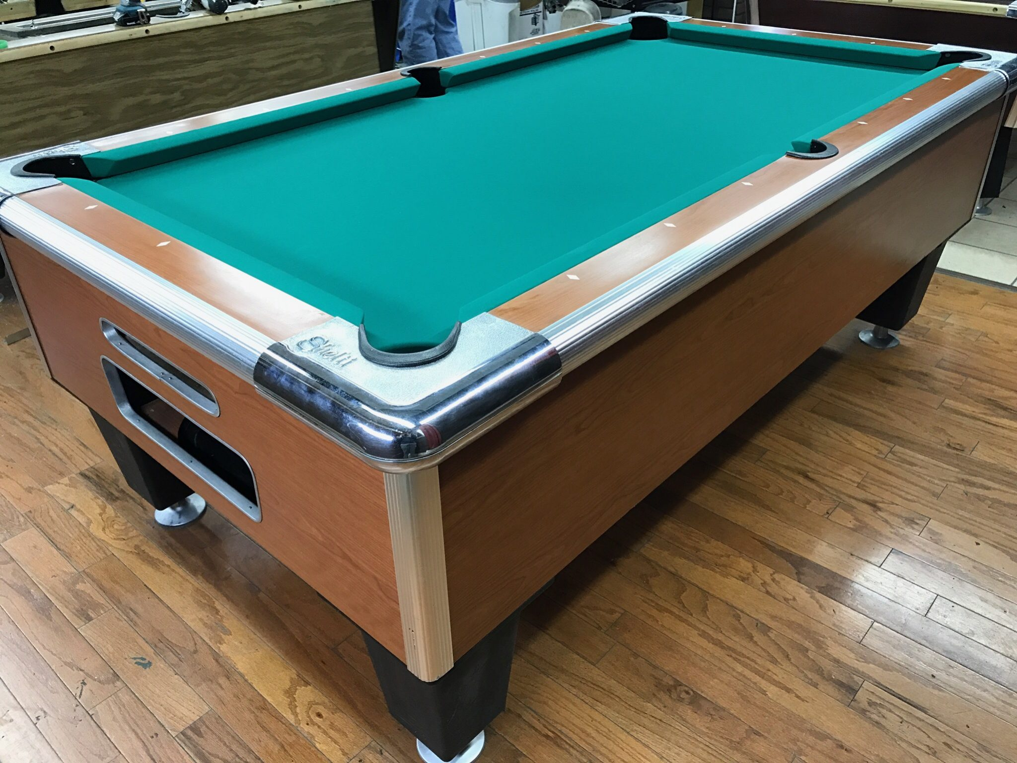 table 0412117 shelti used coin operated pool table used
