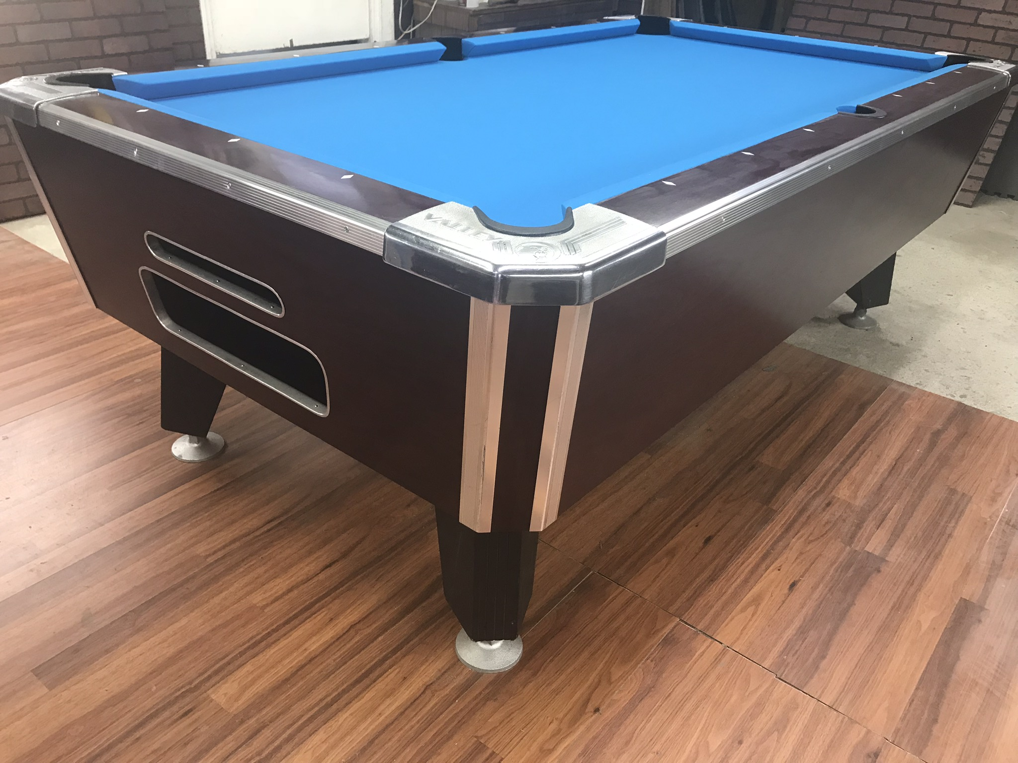 Bon Coin Operated Bar Pool Table